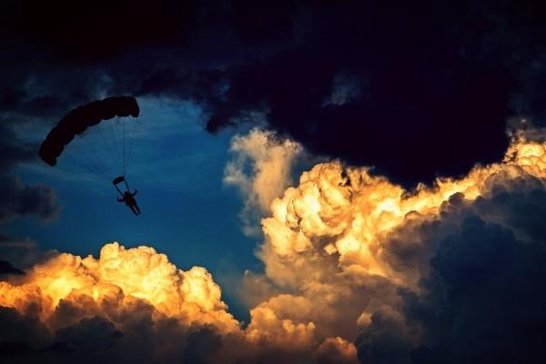 parachute600x400